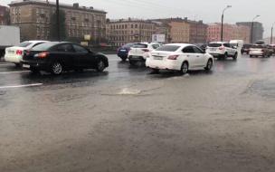 Летний дождь спровоцировал 8-балльные пробки на дорогах Петербурга