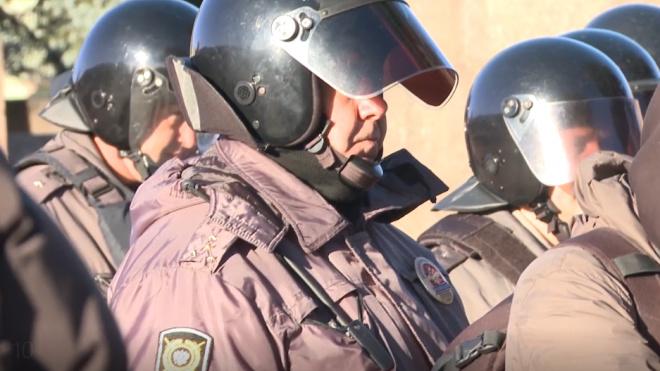 ОМОН и полиция нагрянули на Калининскую овощебазу
