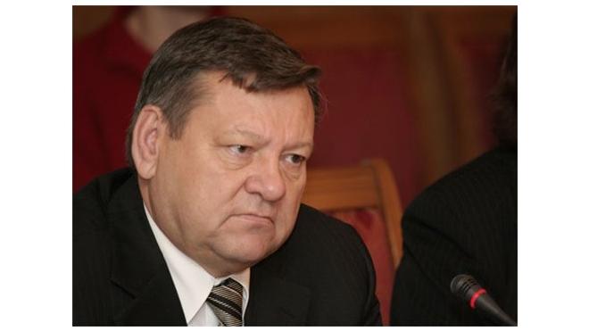 Сердюков останется губернатором Ленобласти до конца