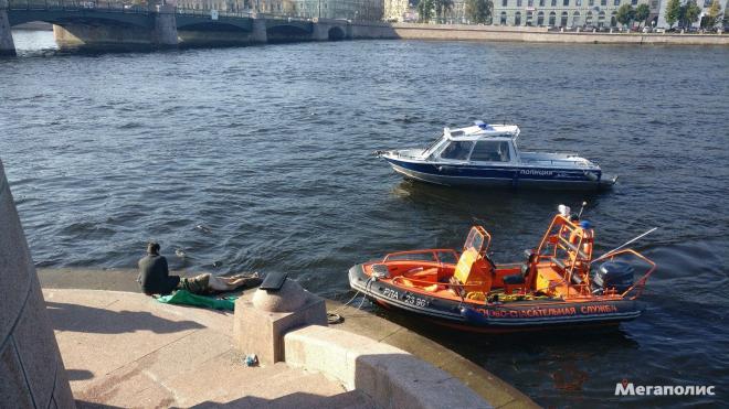 На Пироговской набережной из реки извлекли полуголый труп