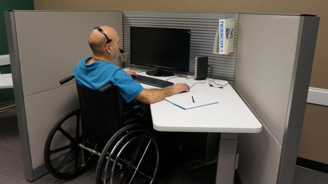 В Ленинградской области возрастает число трудоустроенных граждан с инвалидностью