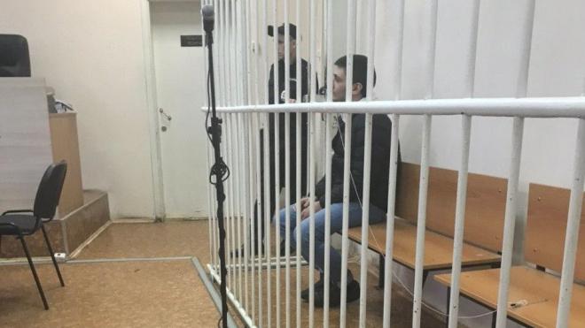 В Петербурге мужчина получил условный срок за пальбу из окна автомобиля