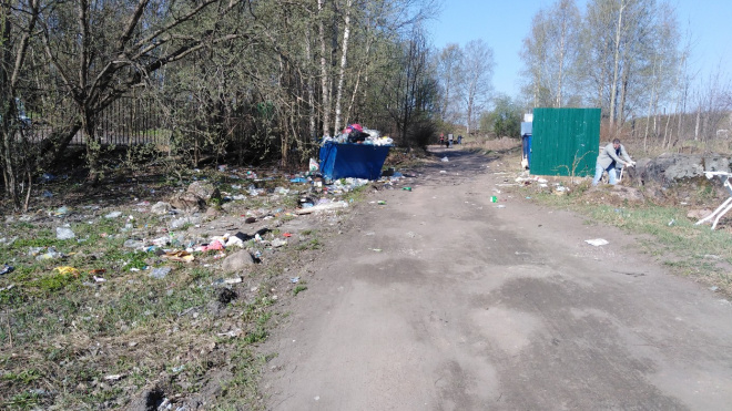 """Кто виноват, что во дворе свалка, не вывозят мусор: разбираемся на примере УК """"Северная Столица"""""""