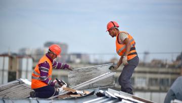 Смольный утвердил порядок информирования собственников и управляющих организаций по вопросам капитального ремонта