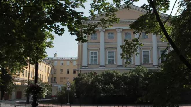 Власти Петербурга назвали главные проблемы дистанционного обучения школьников