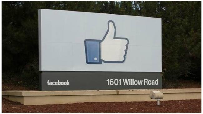 Через Facebook можно будет переводить деньги