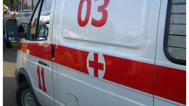 При столкновении двух машин на трассе Вологда - Новая Ладога пострадали два человека