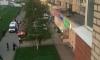 Появились жуткие фото с места падения женщины из окна на Косыгина