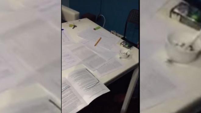"""В сети появилось видео из квартиры, где """"рисовали"""" подписи за Соболь"""