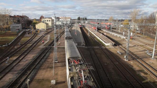 Роспотребнадзор напомнил о COVID-тесте для прибывающих в Россию поездом