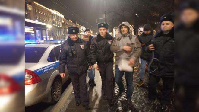 """Снова арест: активист """"Бессрочного протеста"""" вернулся на пикет"""