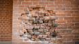 КГИОП проверил разборку аварийных стен казармы Семеновск ...