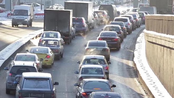 Дорожную ситуацию в Петербурге вечером в четверг оценили в 8 баллов