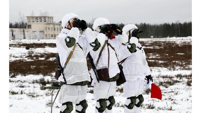 В Ленобласти артиллеристы ЗВО уничтожили колонну бронетехники в рамках учений