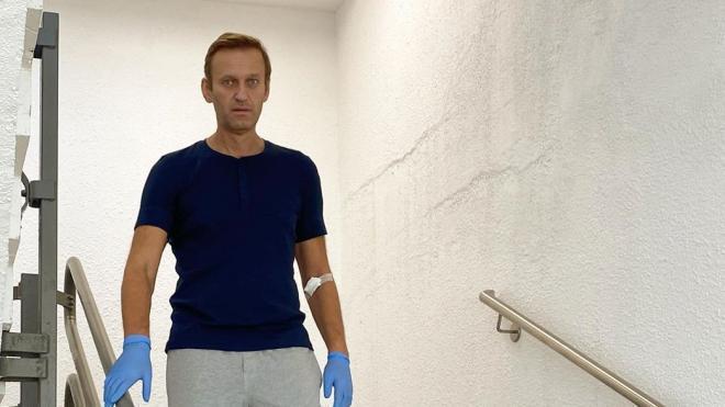 """В МИДе объяснил, зачем Западу нужен """"спектакль с отравлением"""" Навального"""