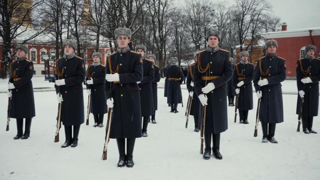 На Пискаревском кладбище прошел финал смотр-конкурса почетных караулов