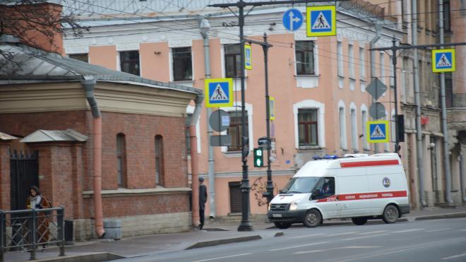 За неделю число обратившихся за медпомощью пациентов с COVID-19 в Петербурге выросло на 40,64%