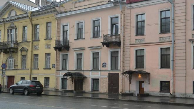 Дом Сверчкова на Васильевском острове сделали региональным памятником