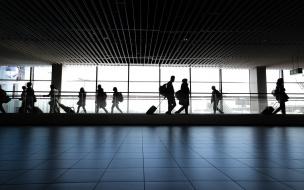 Петербуржцы прилетят домой из Австрии и Венгрии