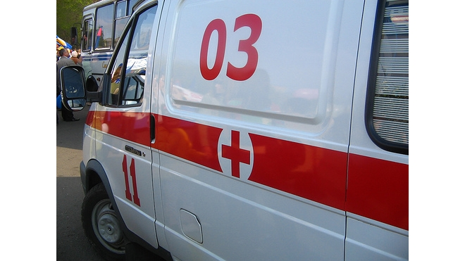 Пьяный самоубийца прыгнул в Неву, но промахнулся, и сломал ногу