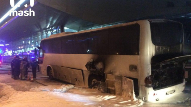 Автобус с китайцами загорелся во Внуково