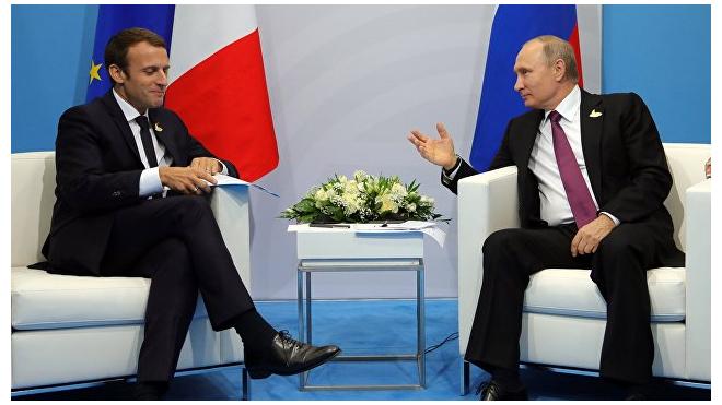 """Макрон едет в Санкт-Петербург, чтобы привести """"Россию в Европу"""""""