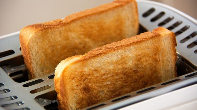 В Выборгском районе у владельца частного дома похитили телевизор, тостер и фен