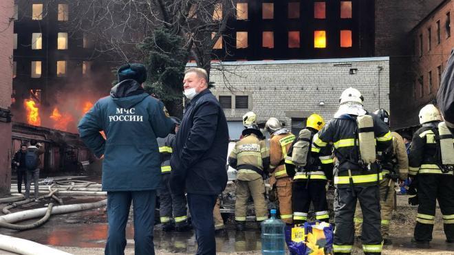 """""""360"""": источник рассказал о состоянии пострадавших сотрудников МЧС при пожаре на """"Невской мануфактуре"""""""