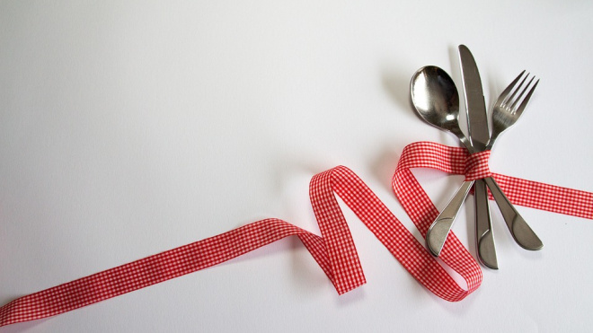 В ЗакСобрании Петербурга обсудили проблемы школьного питания