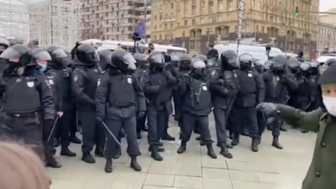 В Москве перекрыли Манежную площадь