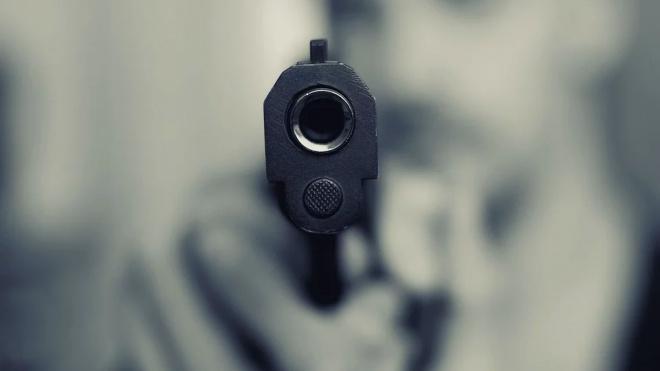 Двое неизвестных устроили вооруженное ограбление в Малом Верево