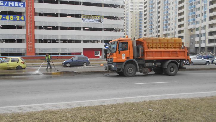 Из Петербурга за неделю вывезли более почти 10 тысяч тонн мусора