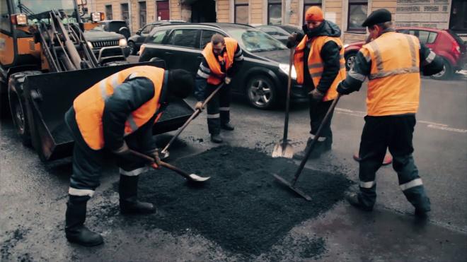 Дороги в Петербурге отремонтируют за 755 миллионов рублей