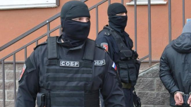 Фальшивые спецназовцы ради розыгрыша захватили автобус с людьми в Петербурге