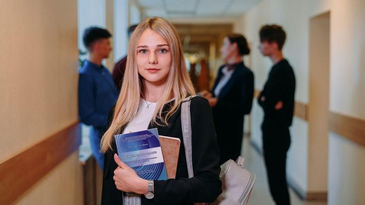 Петербургским студентам повысят стипендию до прожиточного минимума