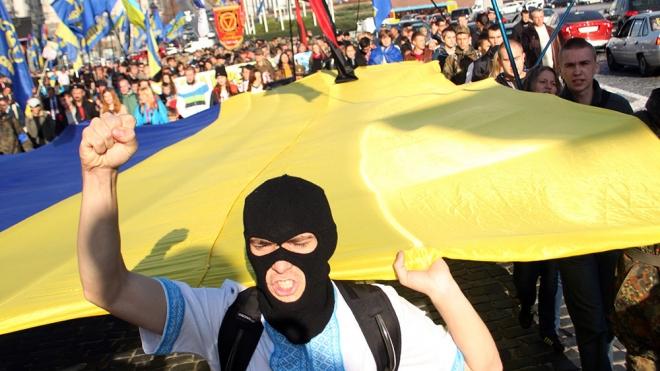 """Неонаци партии """"Свобода"""" заблокировали здание Россотрудничества в Киеве"""