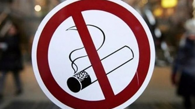 С 1 июня в РФ будет запрещено курение в кафе и ресторанах