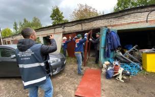 На Пулковском шоссе снесли незаконные гаражи ради новой школы