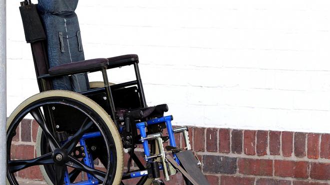 В Петербурге ребенка-инвалида могут не взять в 10 класс