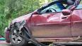 В Петербурге в результате аварии одна из машин врезалась ...