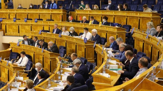 Дефицит бюджета Ленобласти в 2021 году составит 12,8 млрд рублей