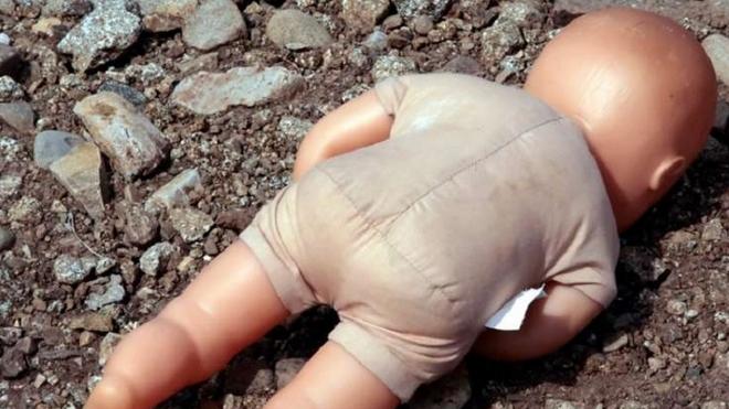 В Москве чудом выжил младенец, которого бездушная мать выбросила на помойку