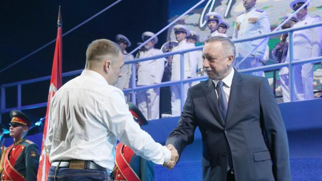 Александр Беглов поздравил дорожников Петербурга с профессиональным праздником