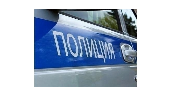 На проспекте Народного Ополчения в массовой аварии пострадали 4 автомобиля