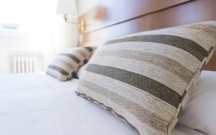 Где в Петербурге можно бесплатно переночевать