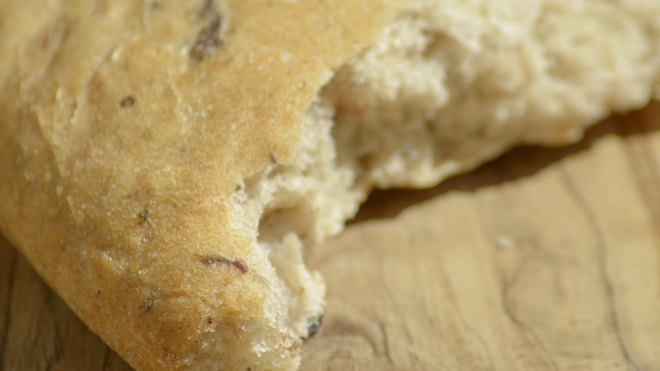 В Таджикистане 14 заключенных скончались, поев хлеба
