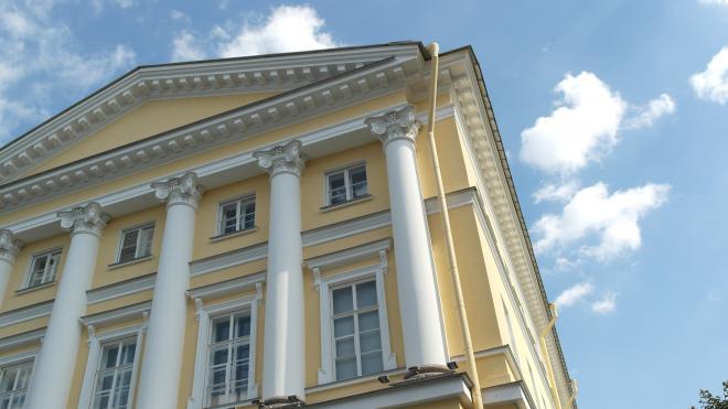 Смольный ищет подрядчика для ремонта здания Смольного института за 200 млн рублей