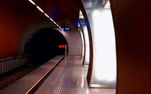 На станции метро «Площадь Мужества» умер мужчина