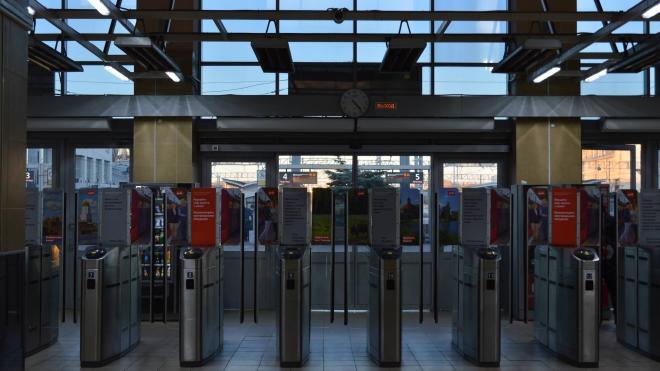 В новогодние праздники изменится режим работы билетных касс и турникетов