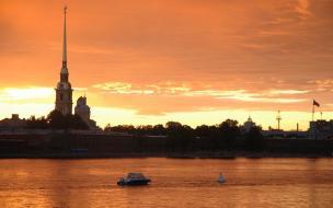 Понедельник стал самым жарким днем июля в Петербурге